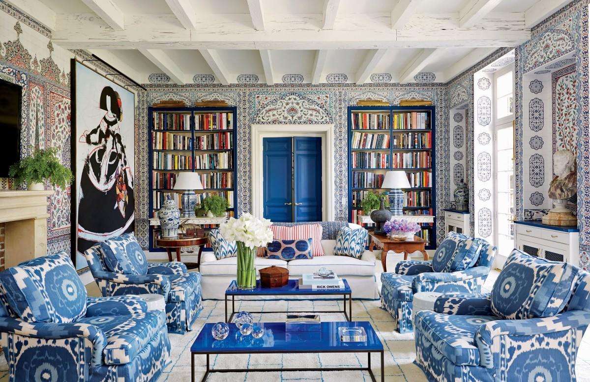 Голубая гостиная с узором