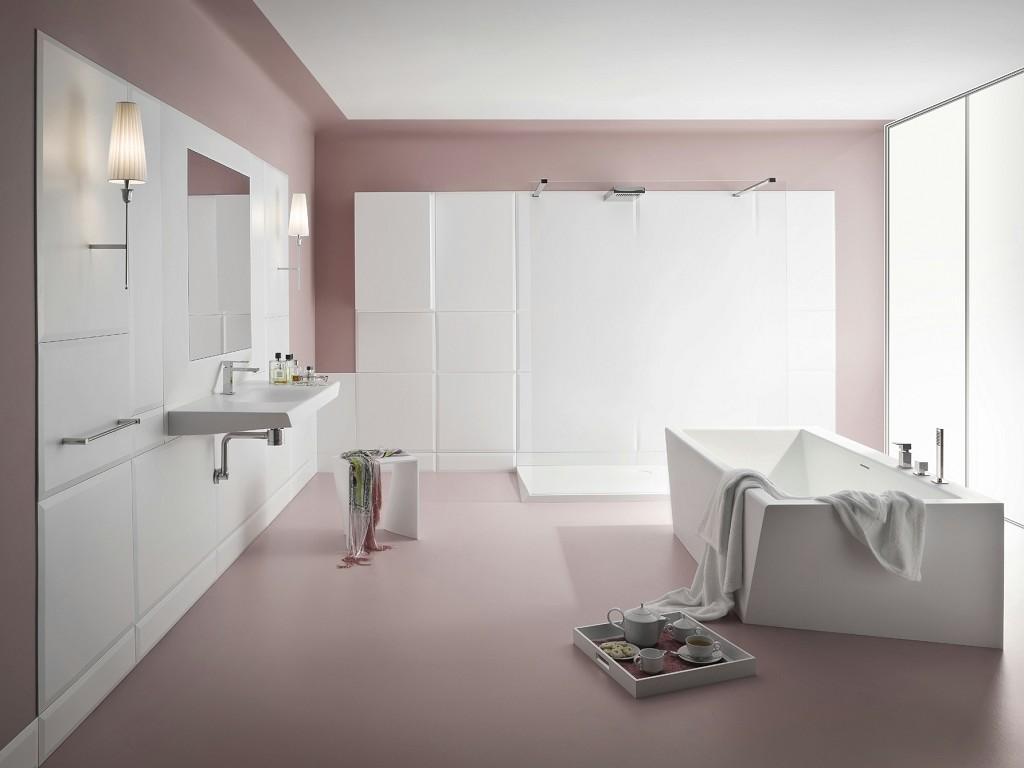 Приглушенный розовый и белый цвета в интерьере ванной