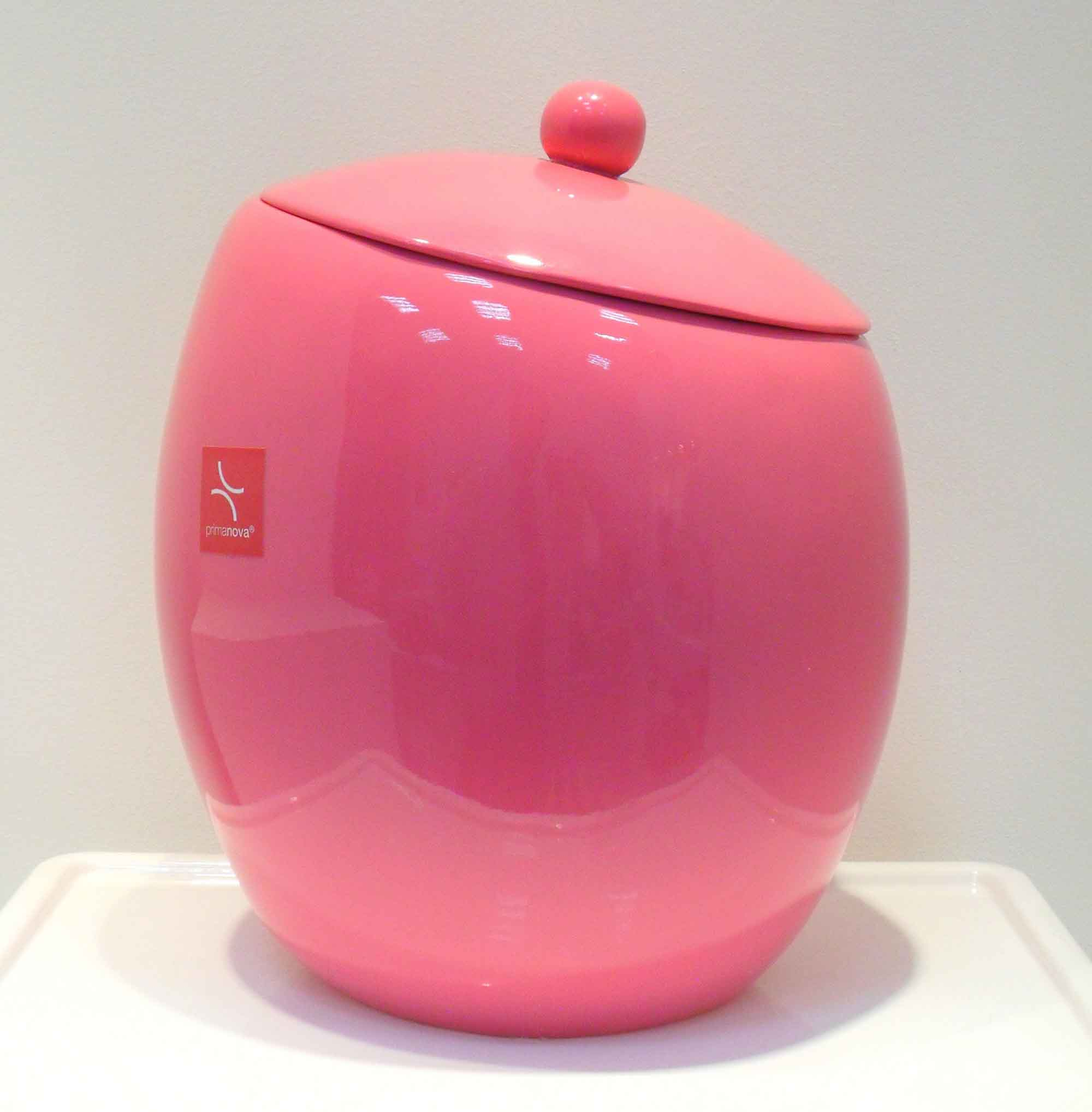 Розовый аксессуар в ванную