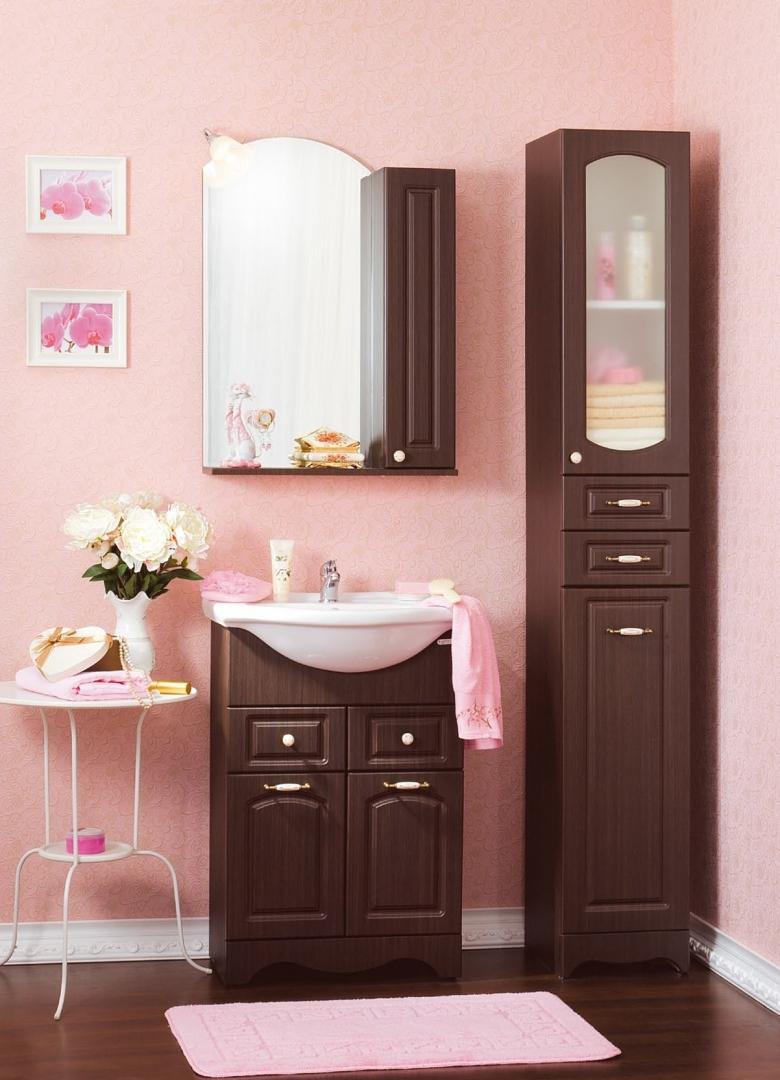 Уютная розовая ванная комната в стиле шебби-шик