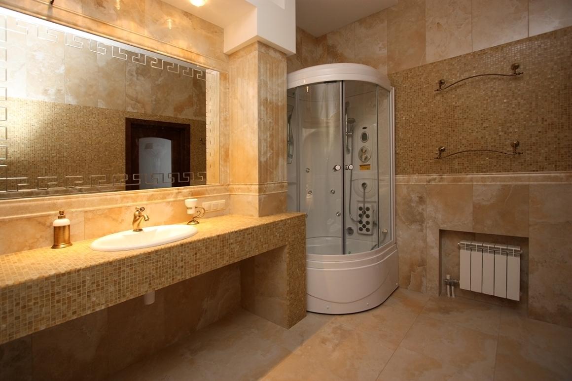 Столешница в ванной с мозаикой
