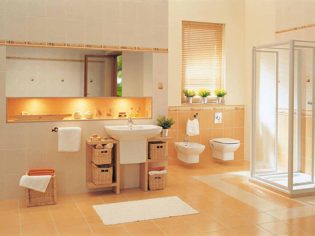 Оранжевая ниша, пол и часть стены в ванной