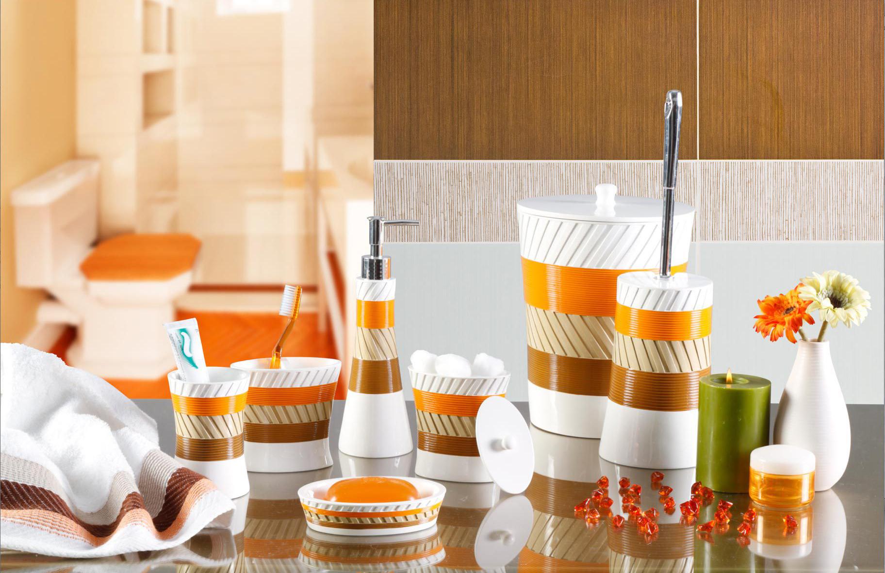 Аксессуары для ванной с оранжевыми акцентами