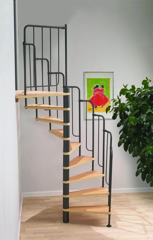 Бежево-черная винтовая лестница