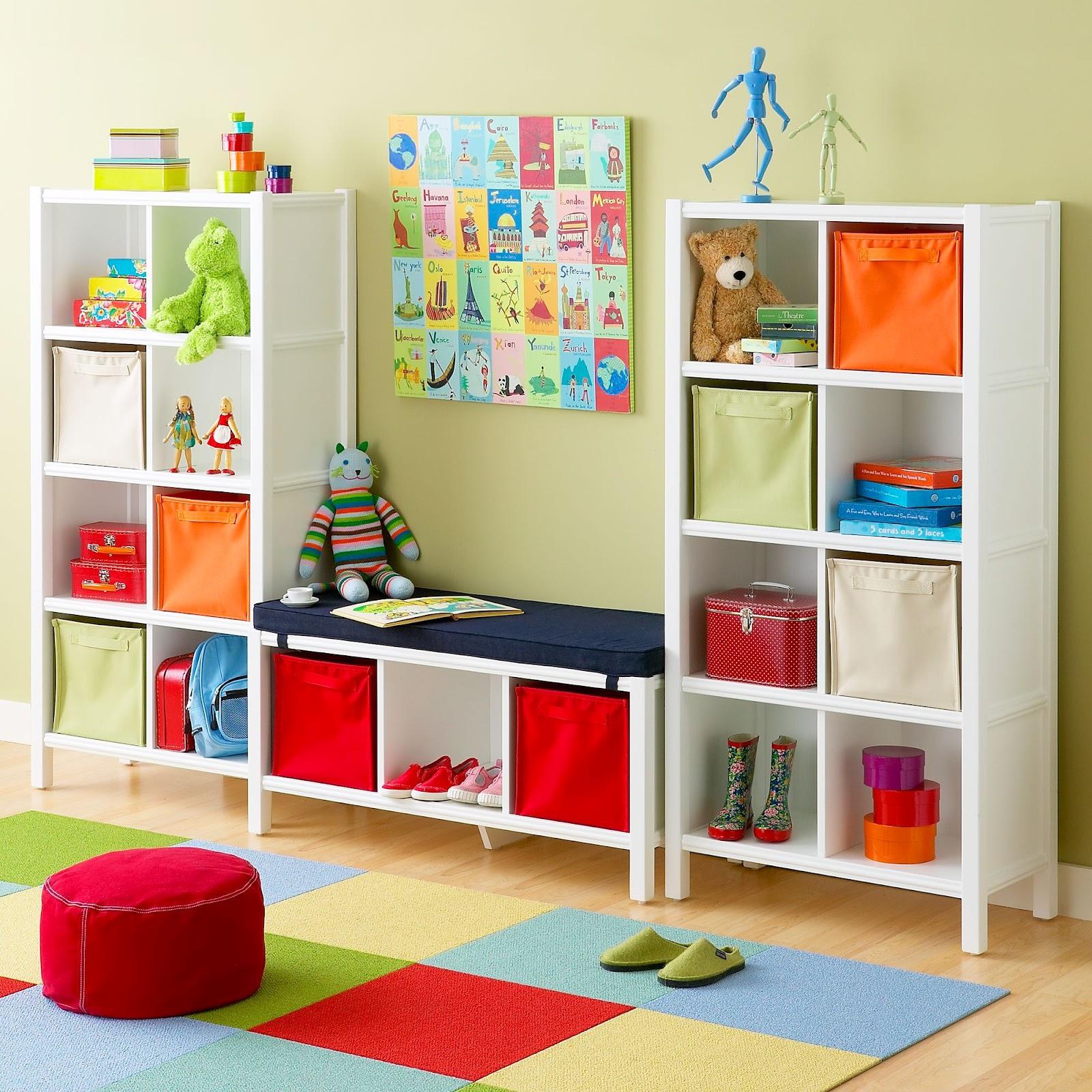 Стеллаж с местом для отдыха для хранения игрушек
