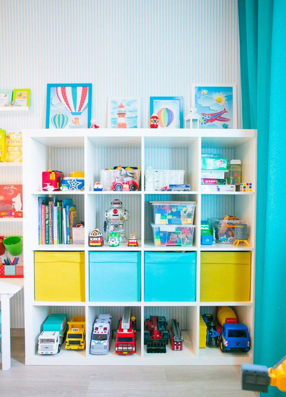 Белый стеллаж для детской комнаты