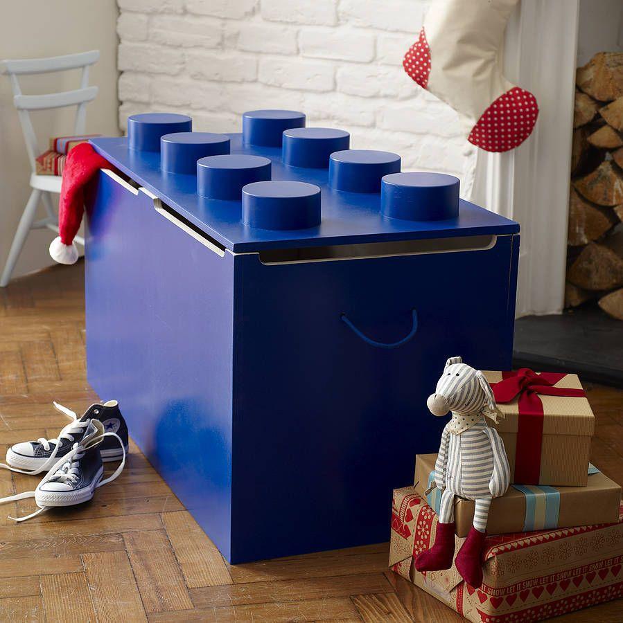 Синий ящик для игрушек