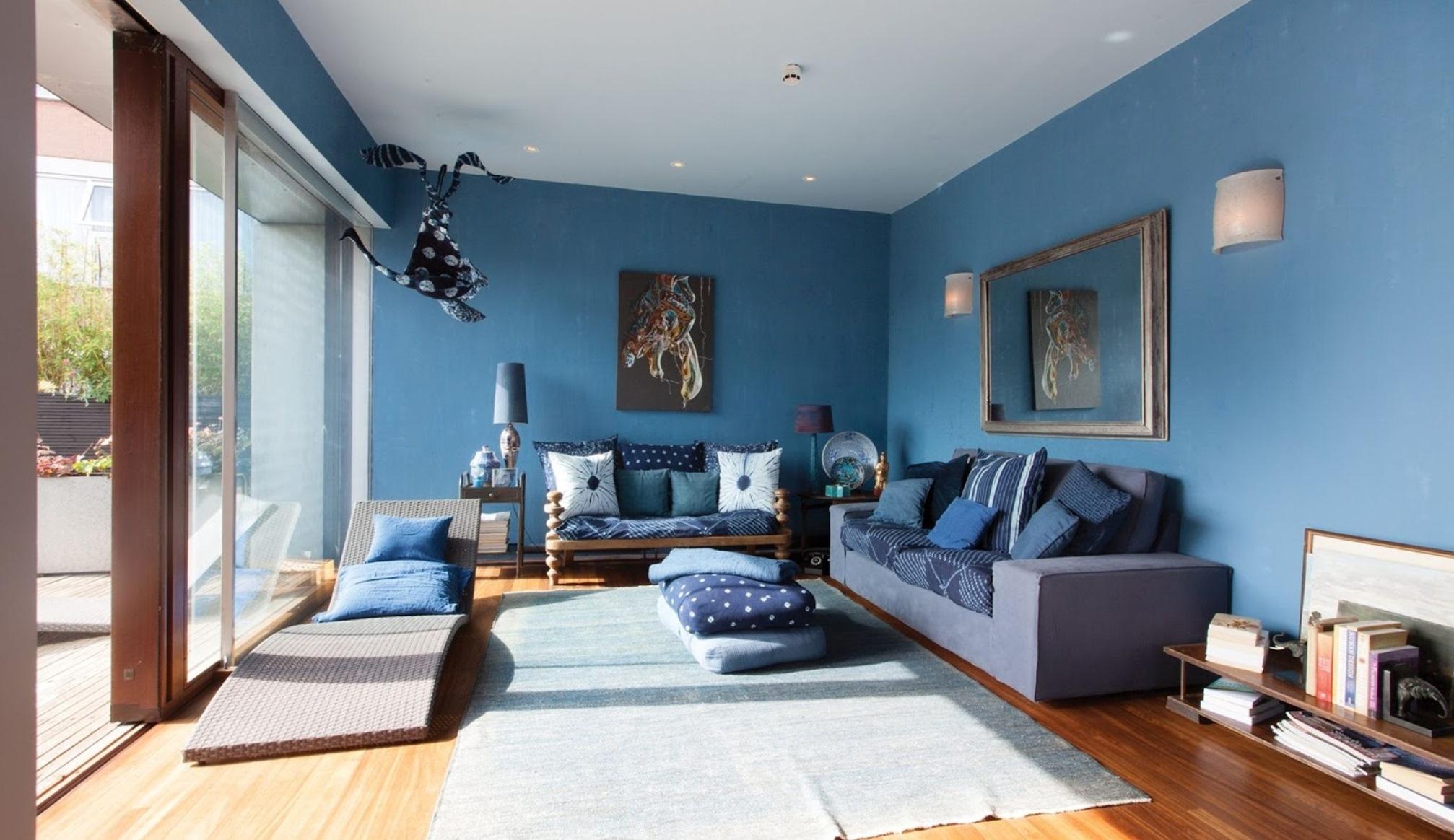 Голубая гостиная в загородном доме