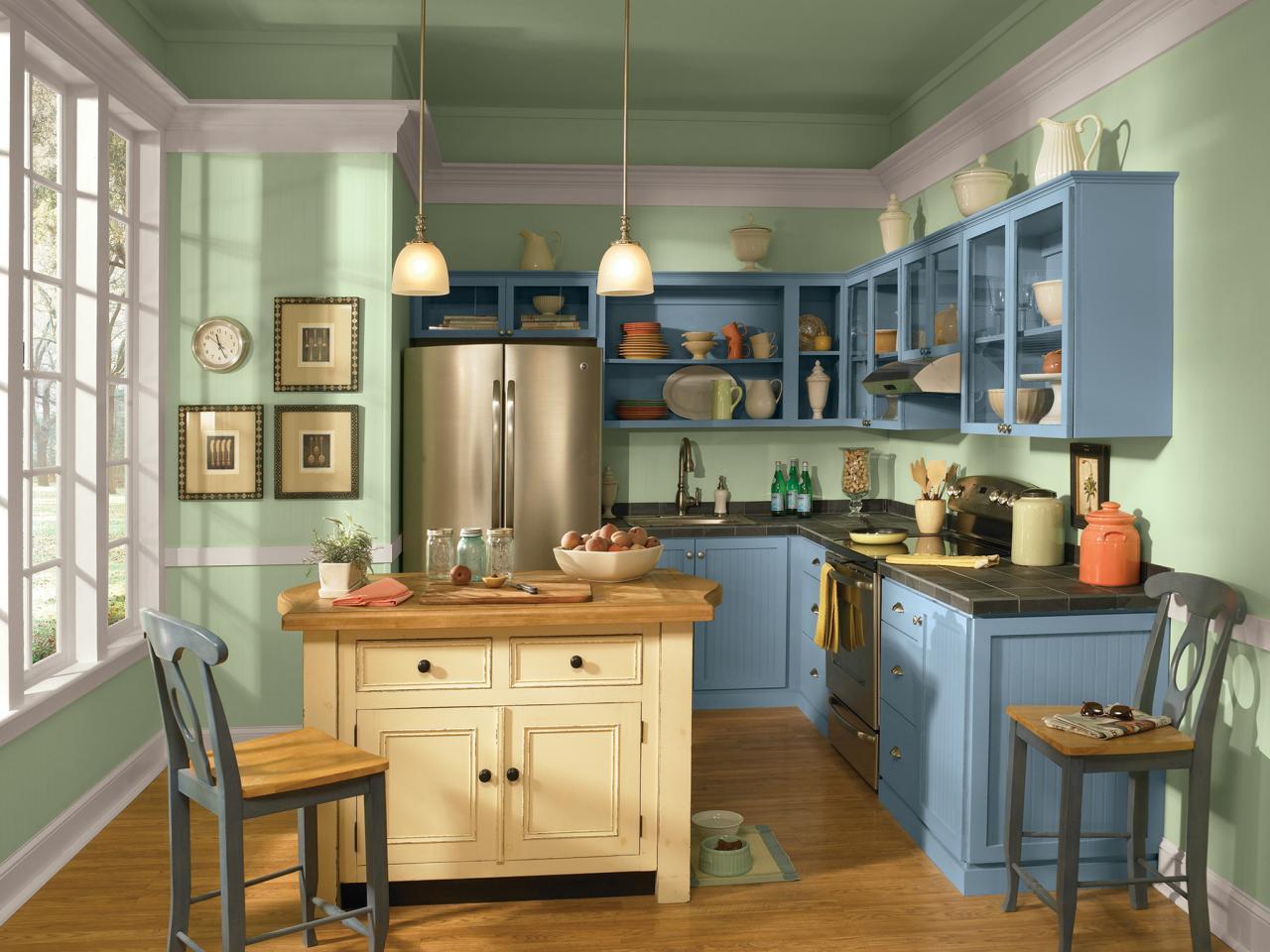 Кухня в зелено-голубых тонах