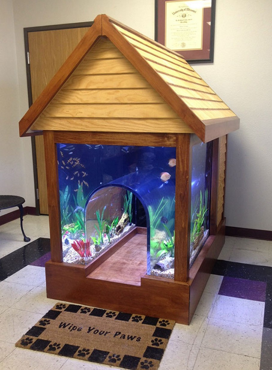 Будка для собаки из аквариума
