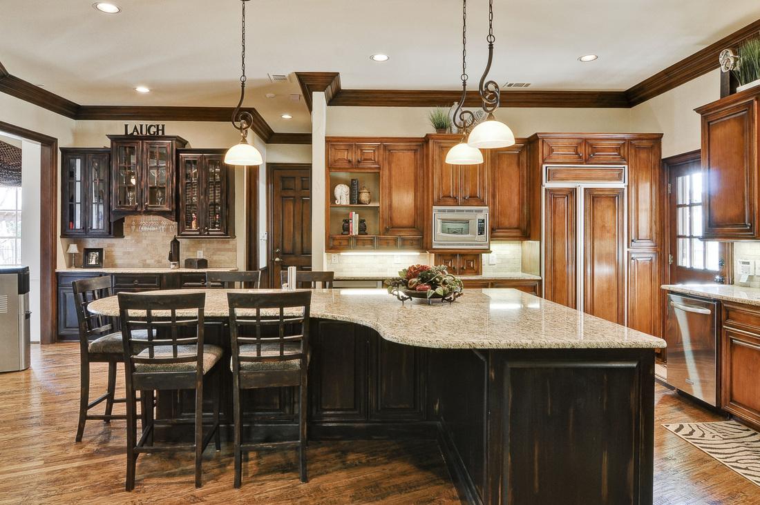 Дизайн кухни 20 кв м в английском стиле