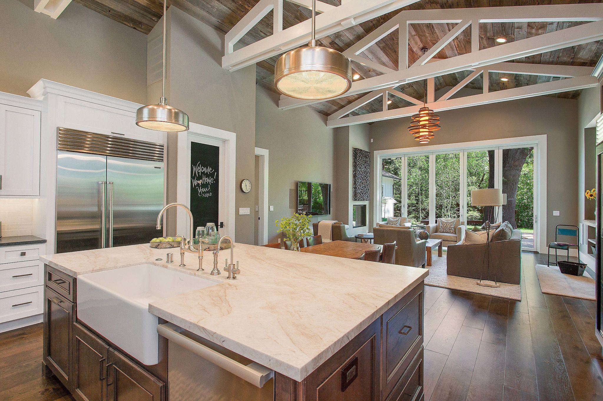 Дизайн кухни 20 кв м с балками