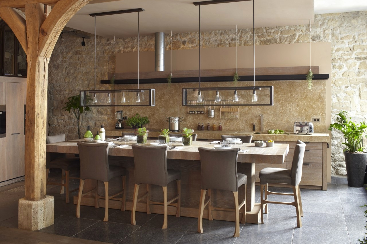 Дизайн кухни 20 кв м бежевый