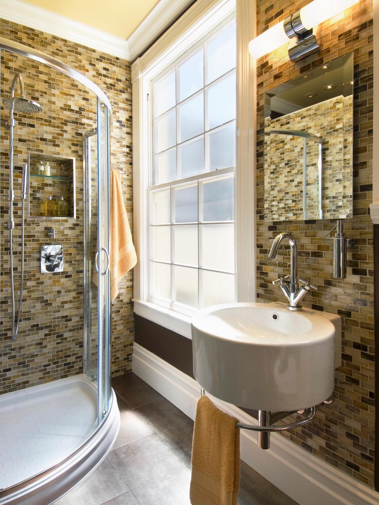 Ванная 9 кв. м со слюдяной мозаикой