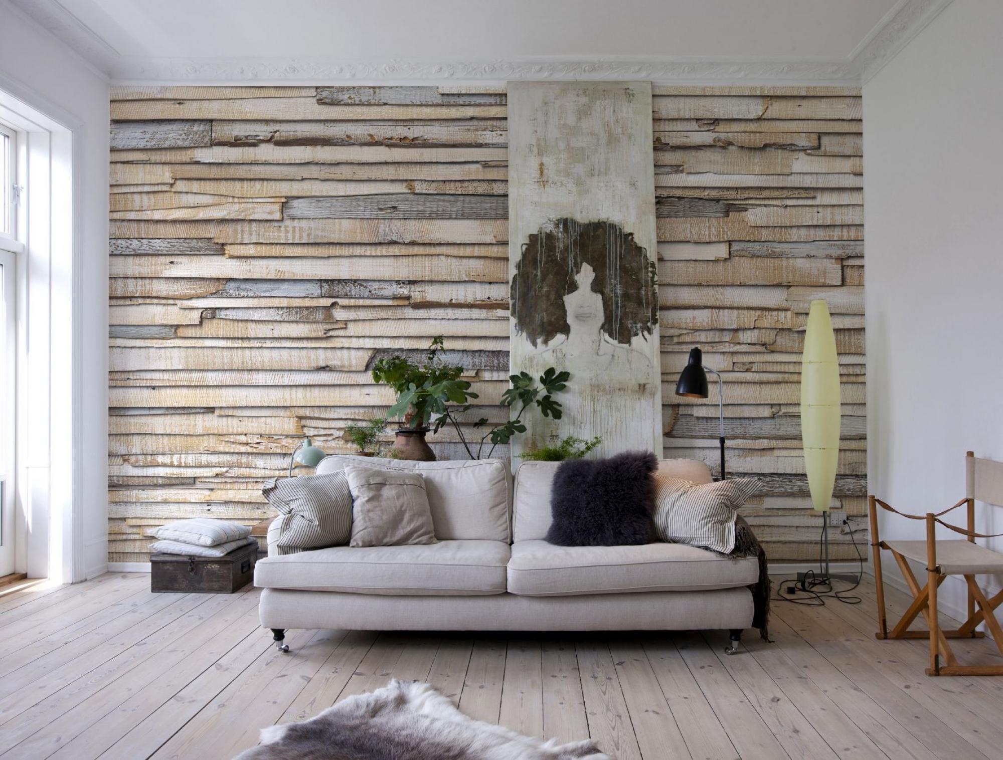 Декор стены деревом