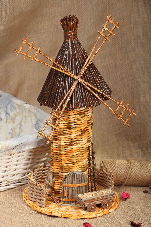 Декоративная мельница из лозы