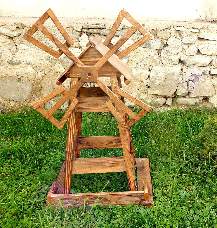 Простая декоративная мельница из дерева