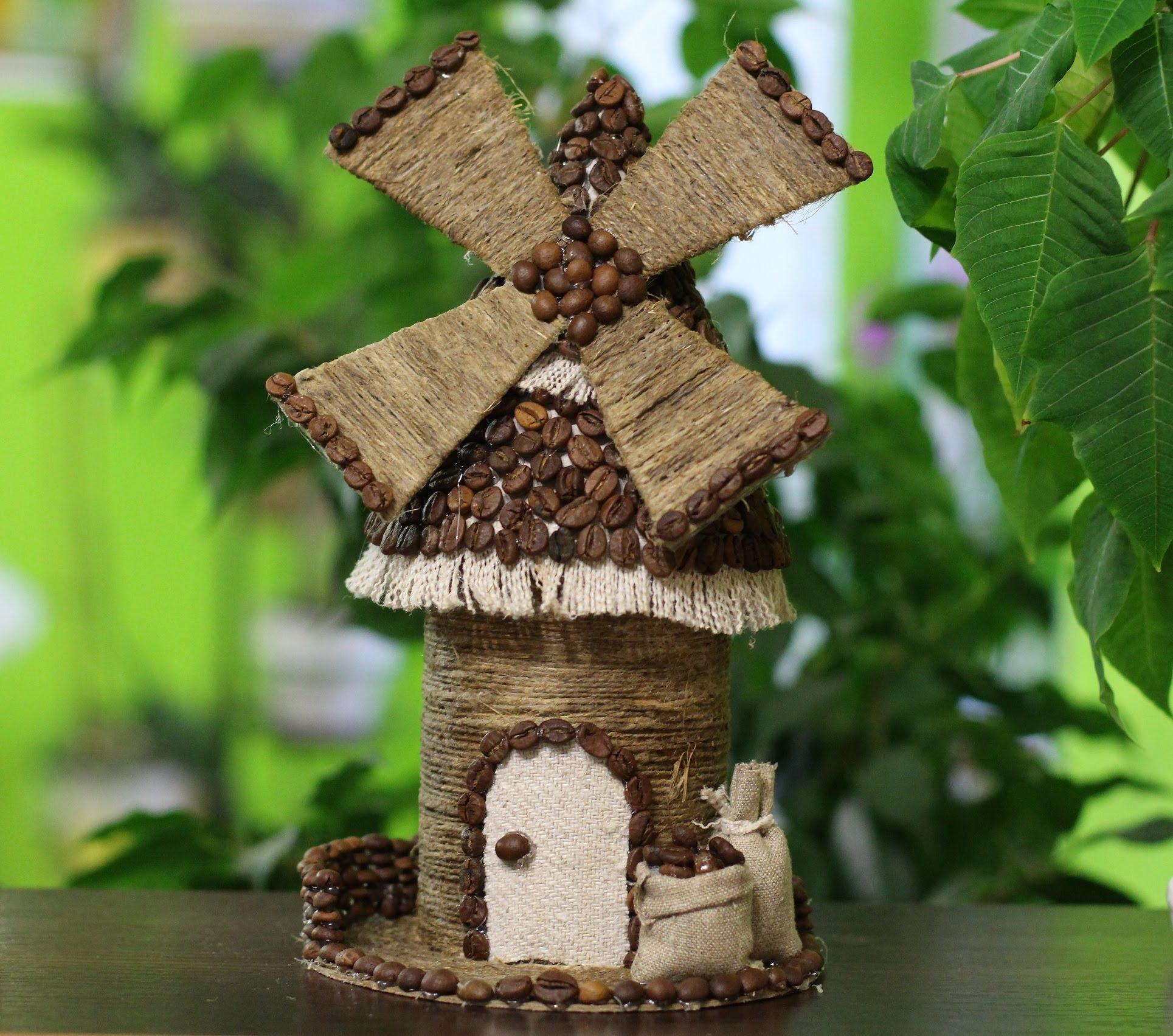 Маленькая декоративная мельница