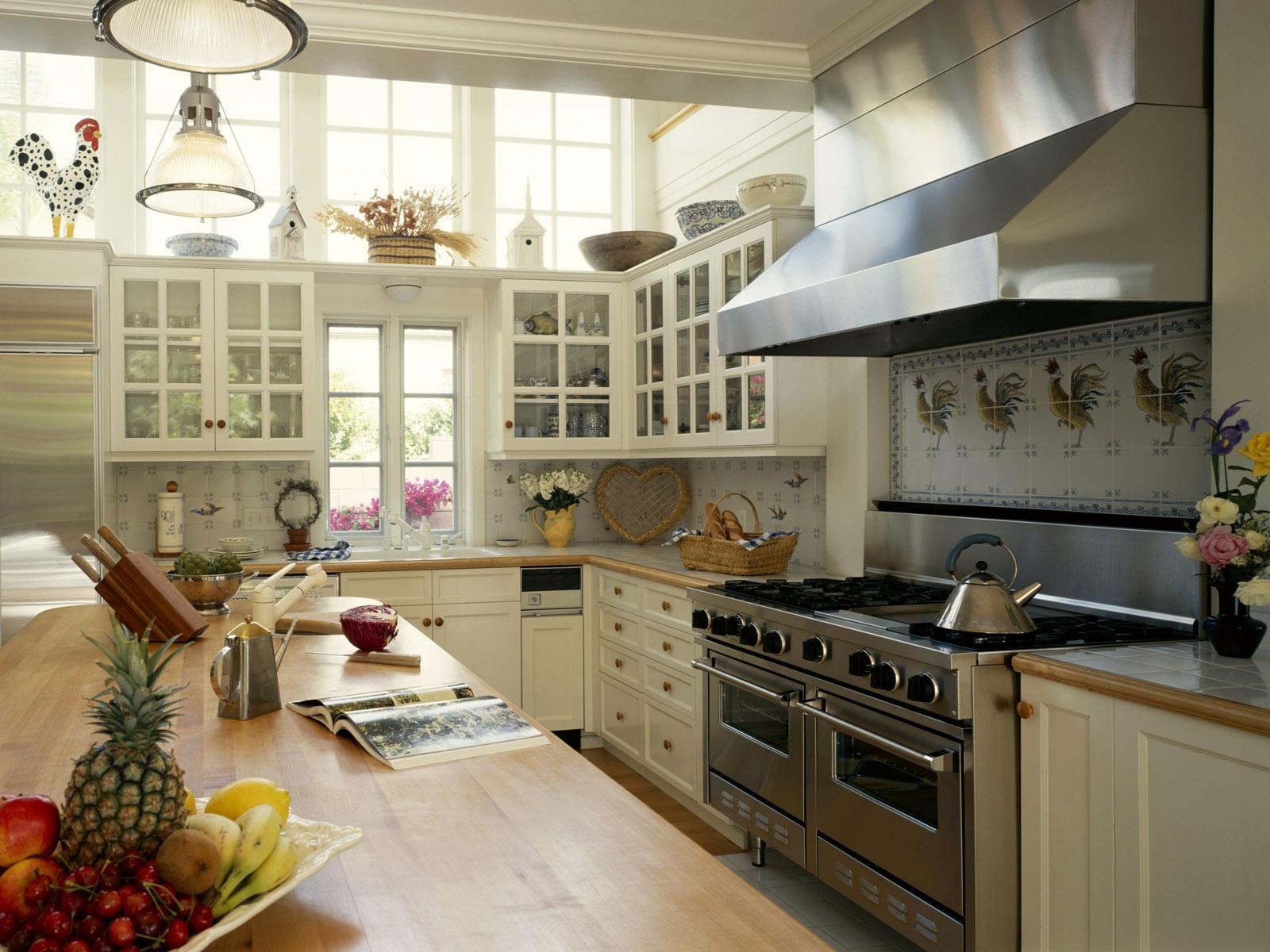 Дизайн кухни 20 кв м деревенский