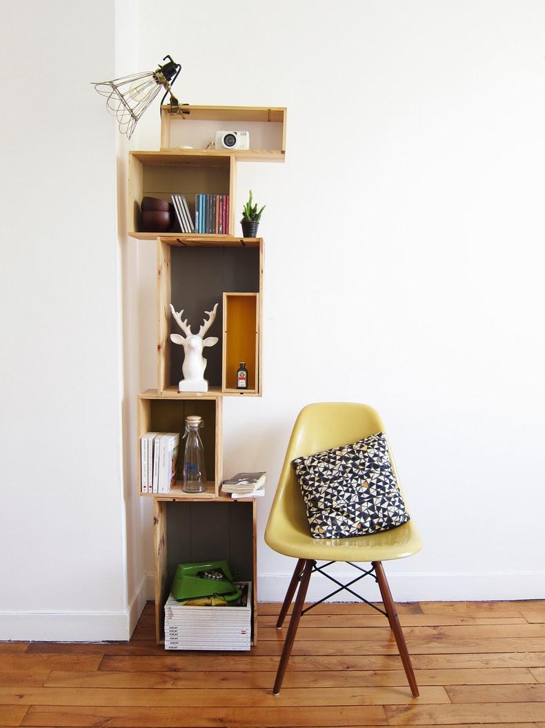 Стеллаж для гостиной деревянный