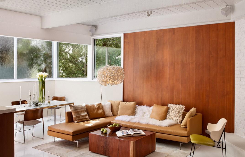 Деревянные обои-панели в гостиной
