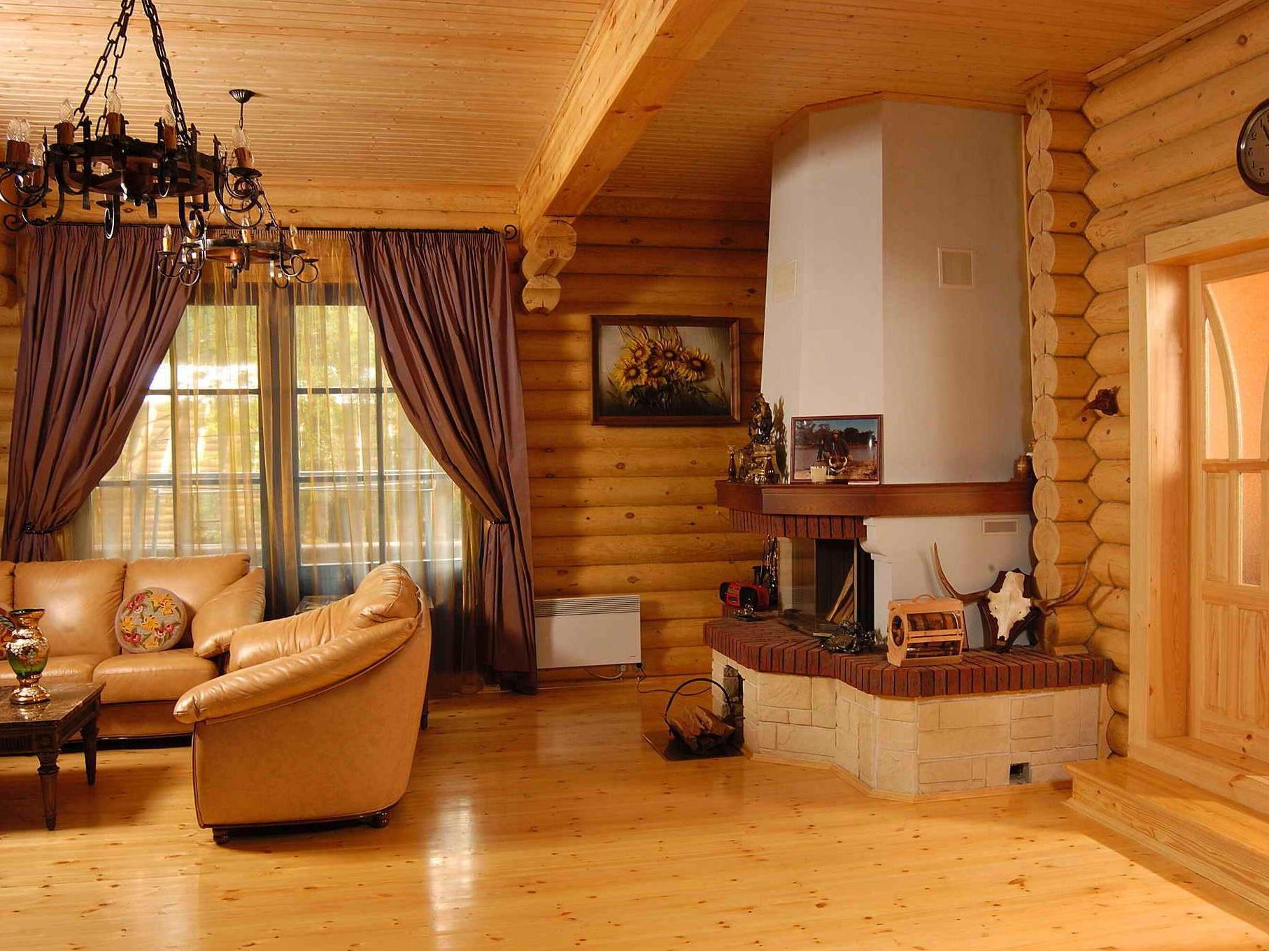Блок-хаус в интерьере гостиной
