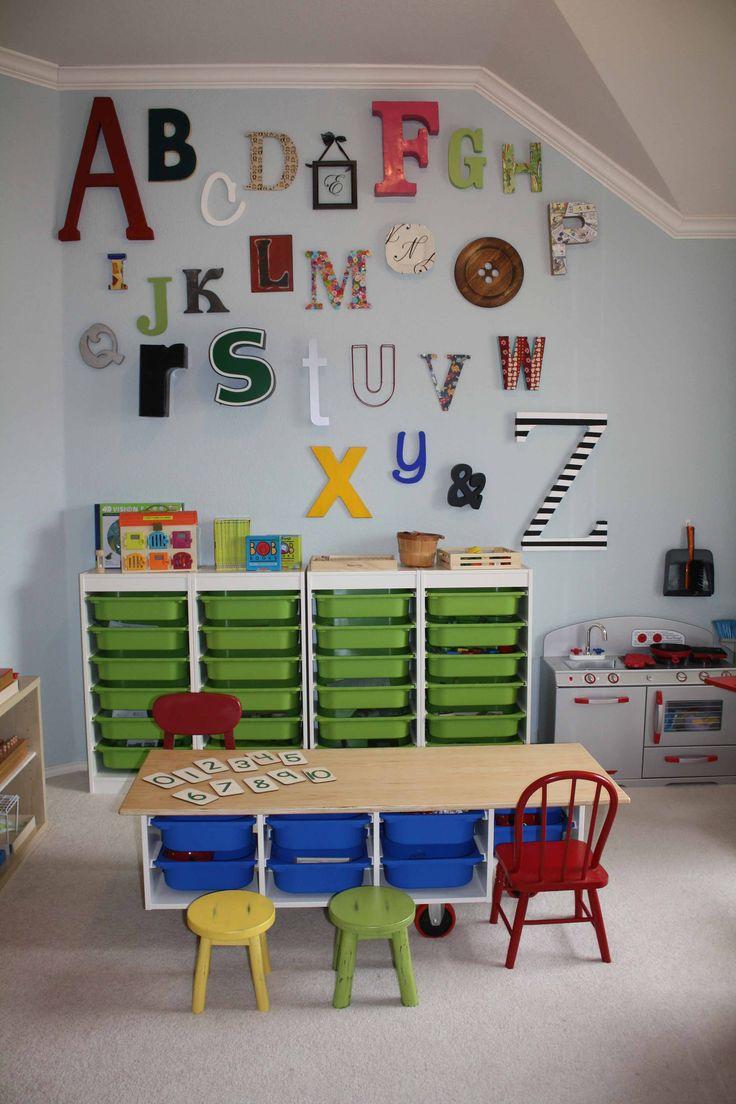 Учебный уголок для детей