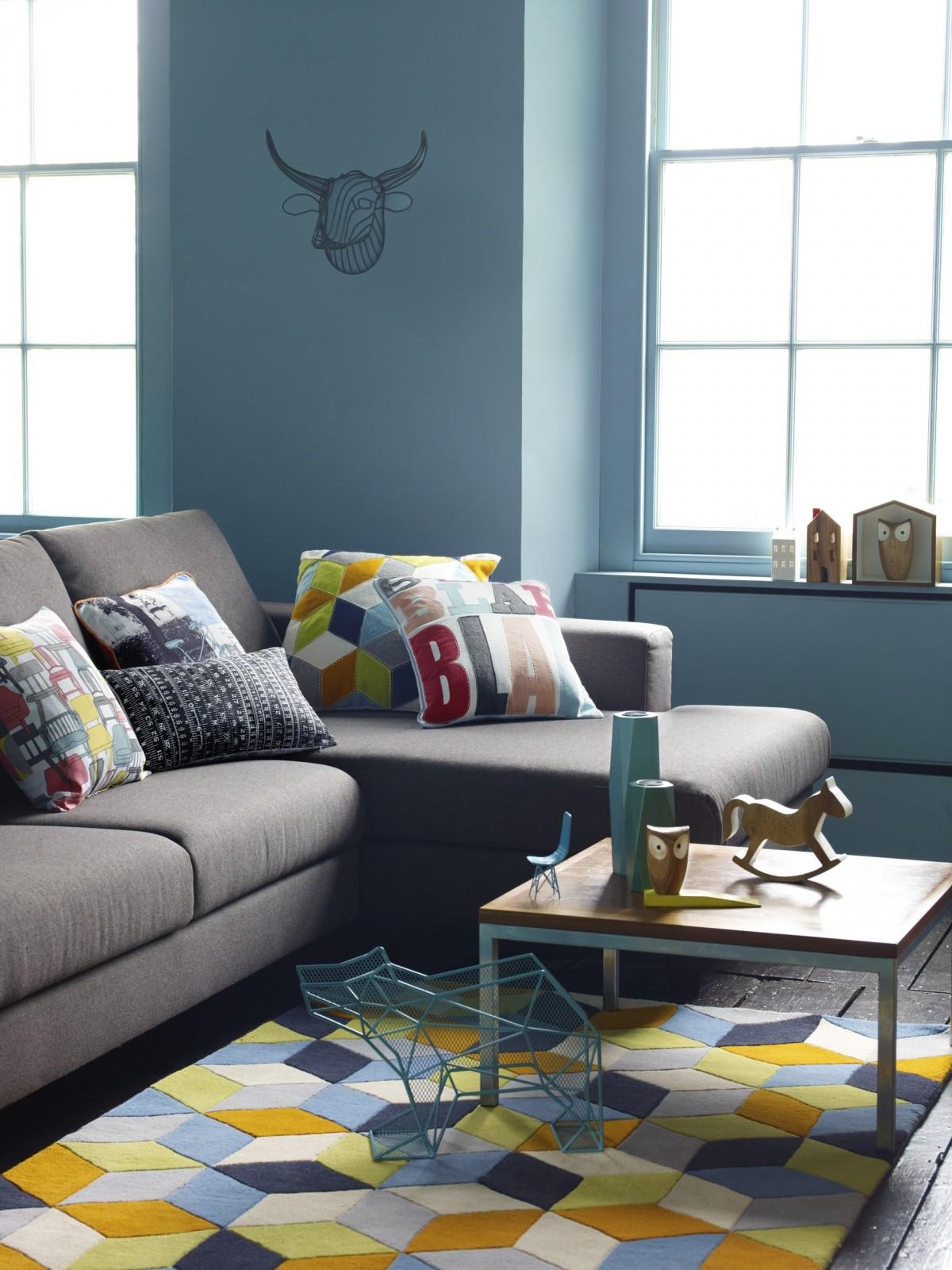 Серый современный диван еврокнижка