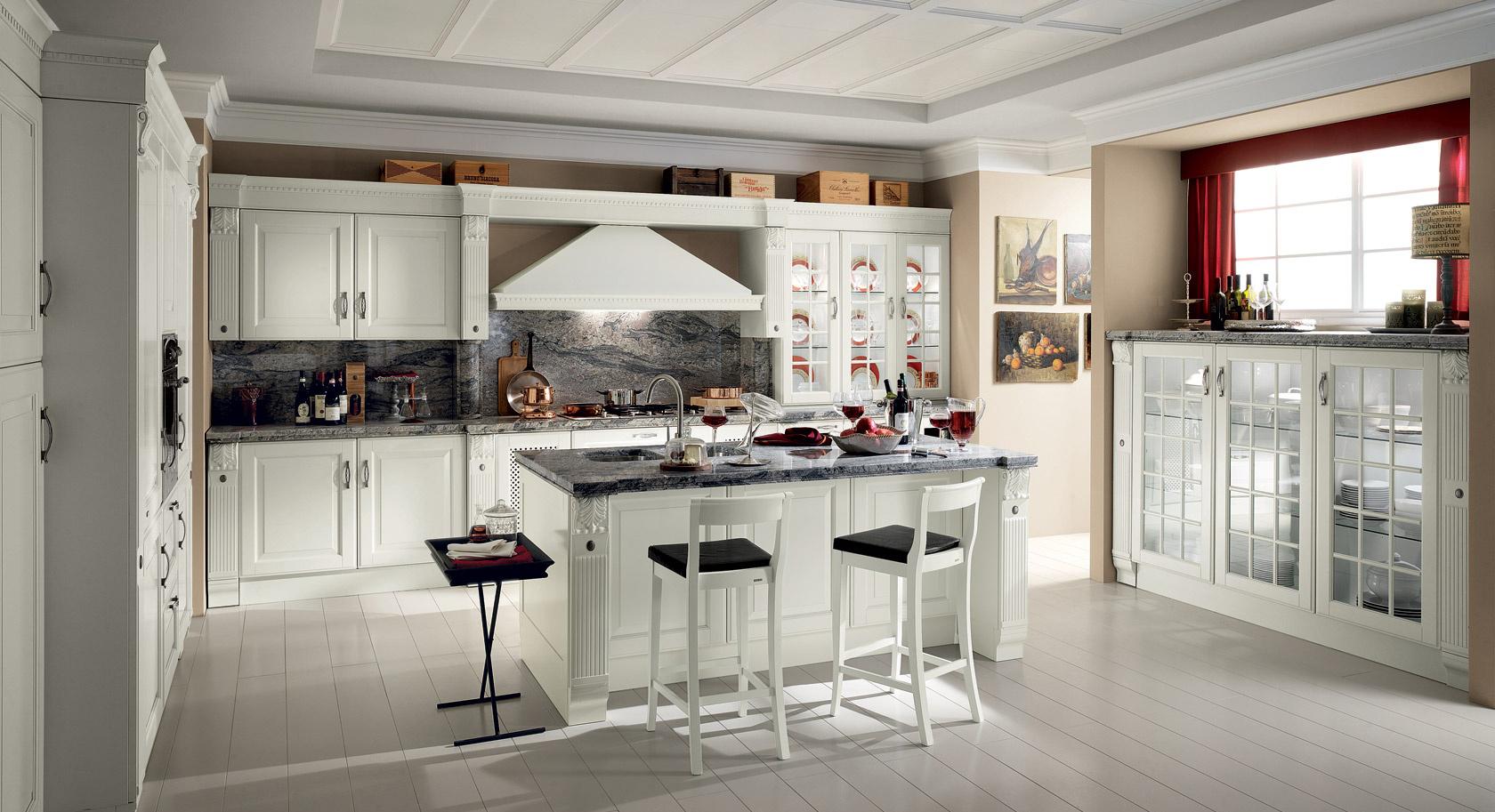 Белая кухня с островом в стиле классика