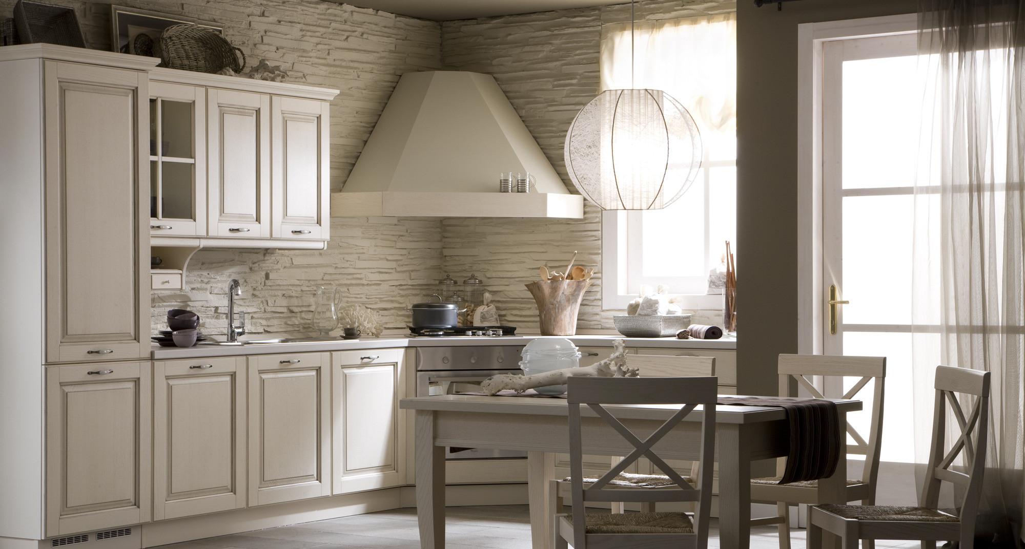 Белая угловая классическая кухня
