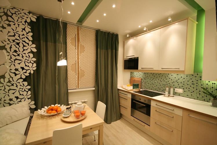 Уютная кухня с диваном