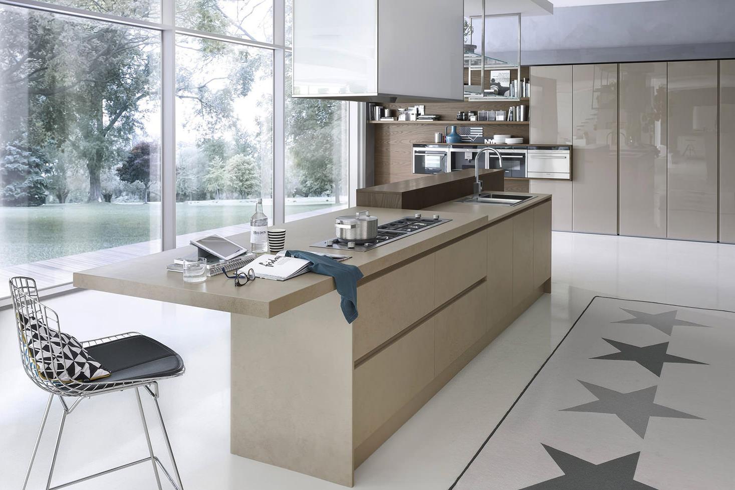 Коричнево-белая глянцевая кухня