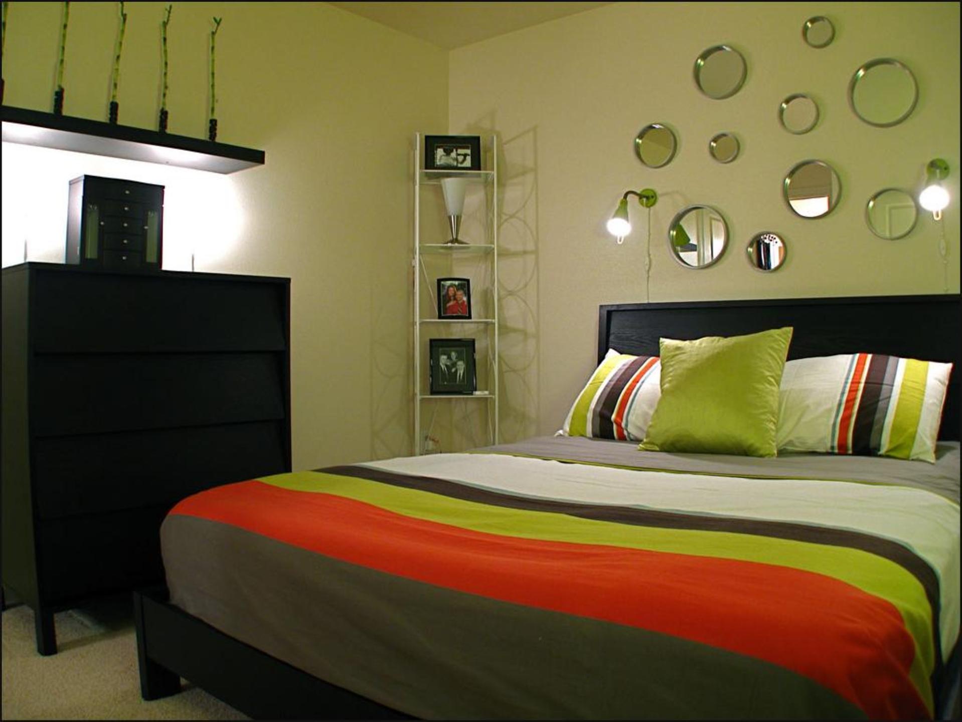 Черные акценты в спальне