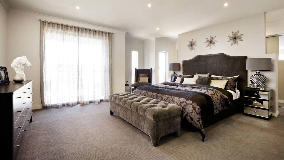 Коричнево-белая спальня в стиле арт-деко