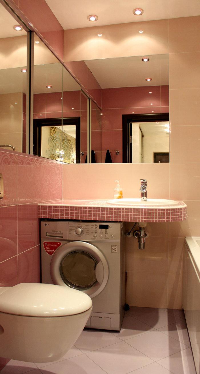 Ванная в розово-бежевых тонах