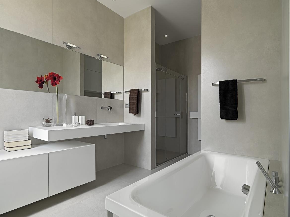 Бело-серая ванная комната 9 кв м