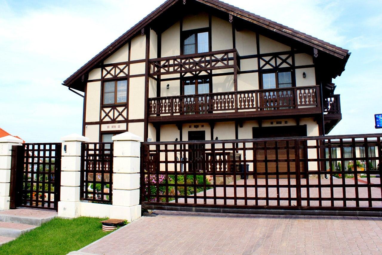 Трехэтажный дом в баварском стиле