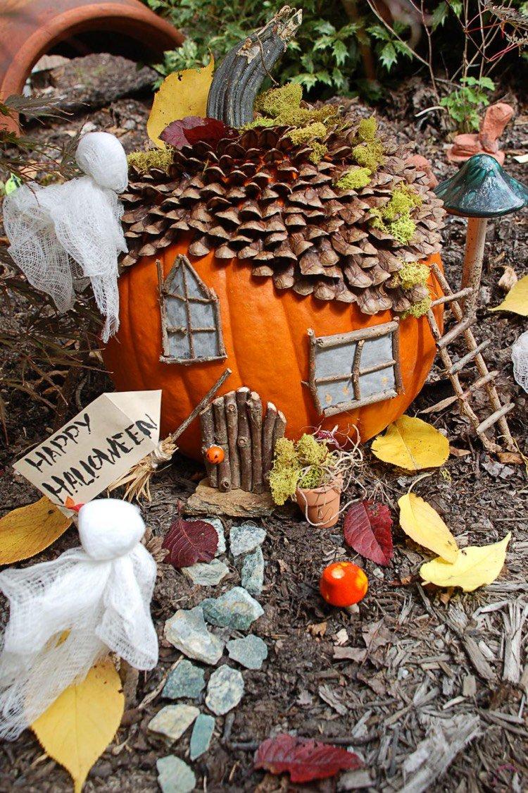 Домик из тыквы на хэллоуин