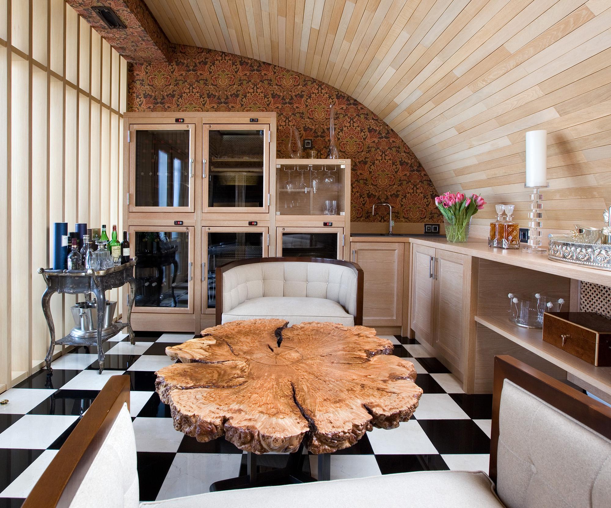 Комната в бежево-коричневых тонах в стиле эклектика