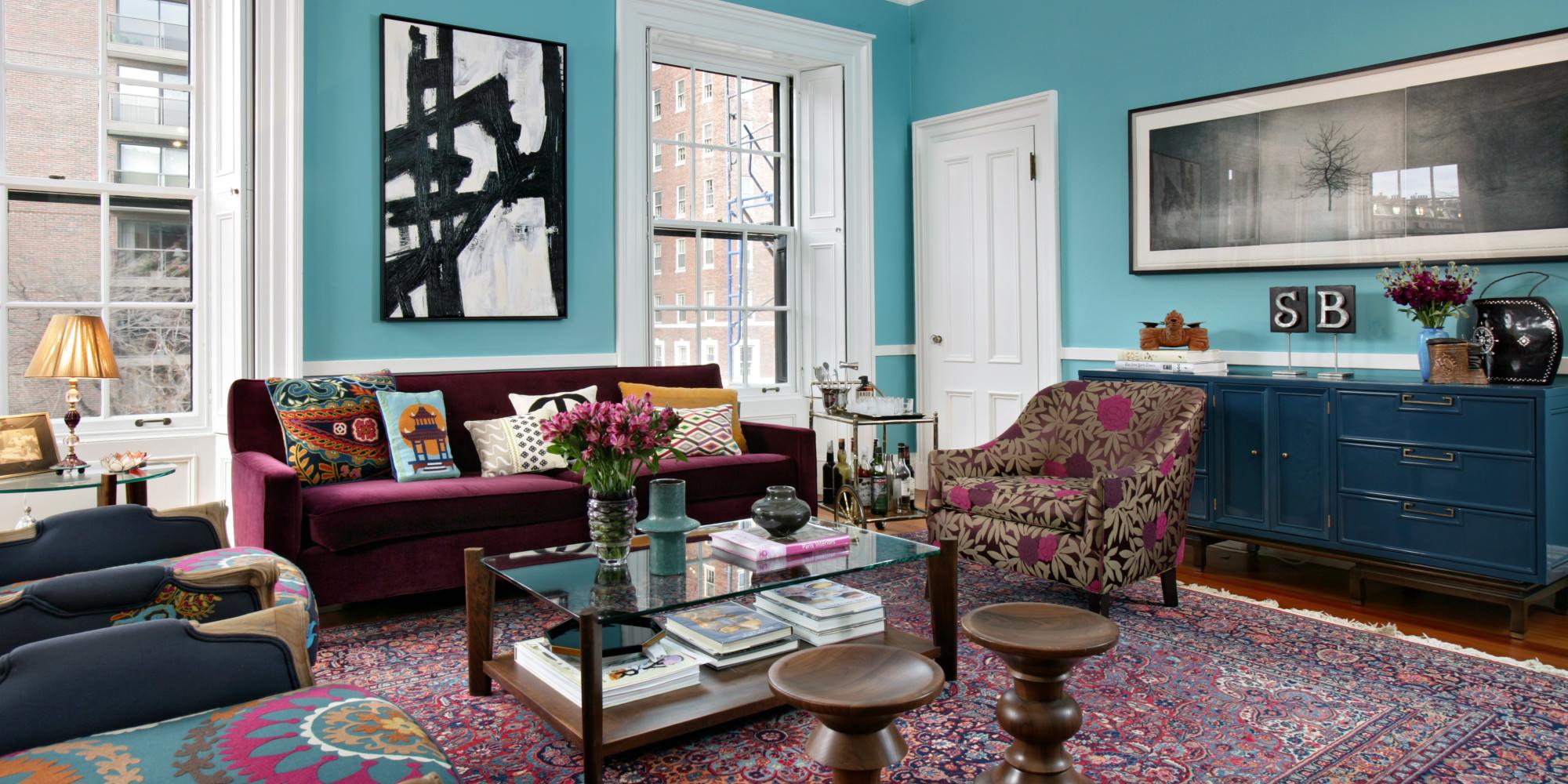 Гостиная в стиле эклектика в бирюзово-бордовых тонах