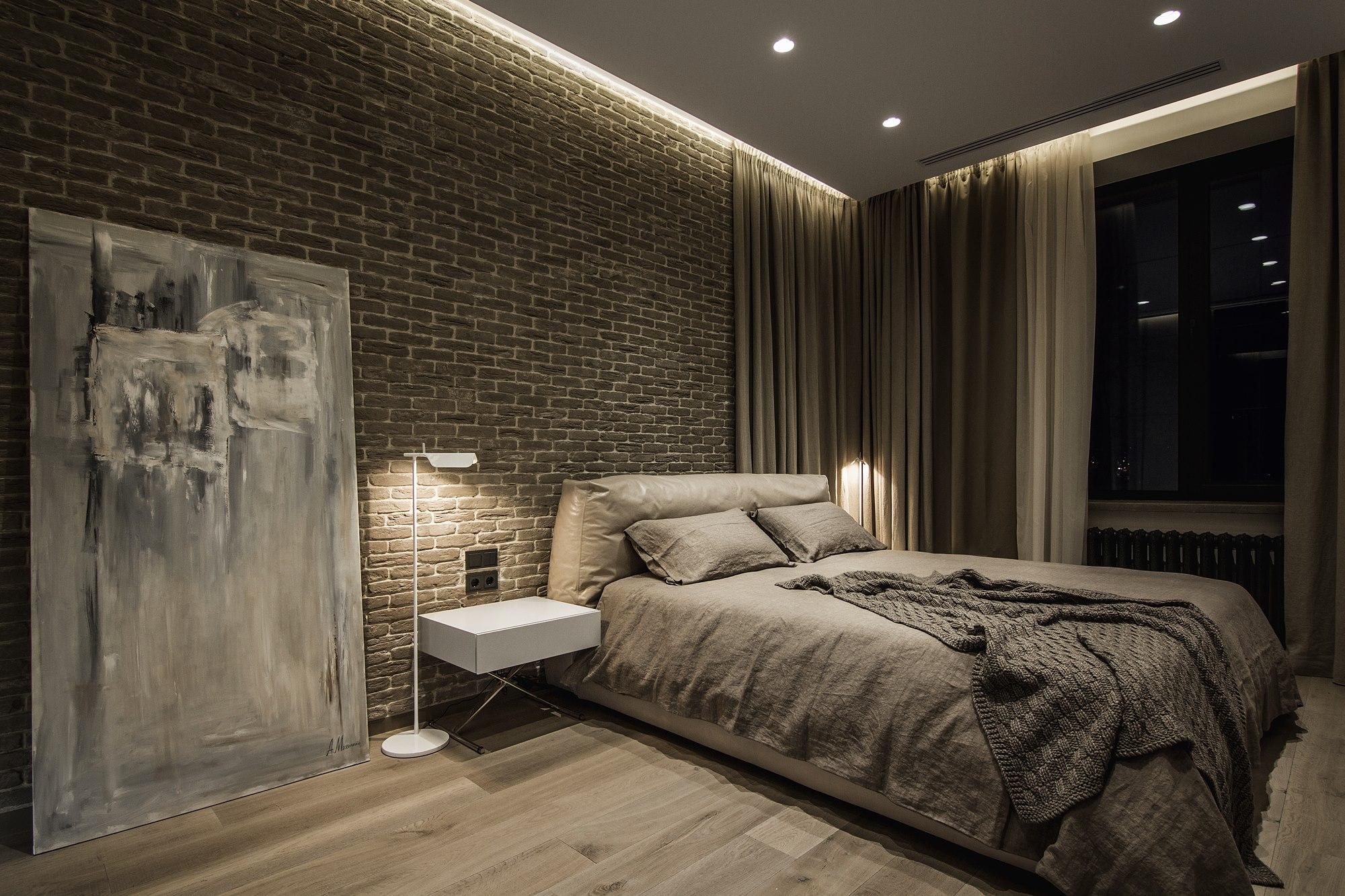 Картина в спальне в стиле лофт