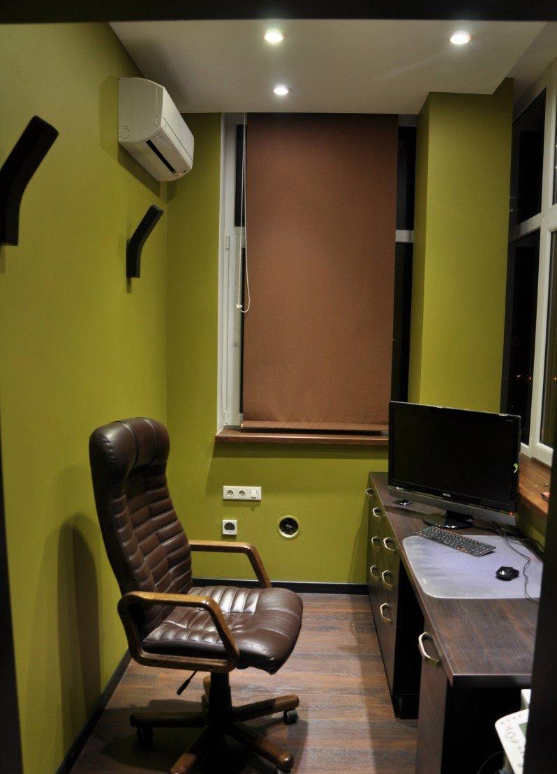 Отдельный кабинет в квартире на балконе