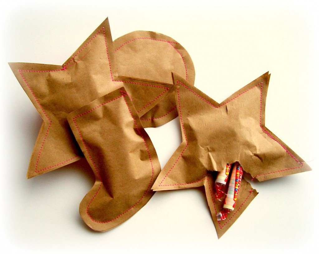 Фигурные пакетики из бумаги для небольших подарков