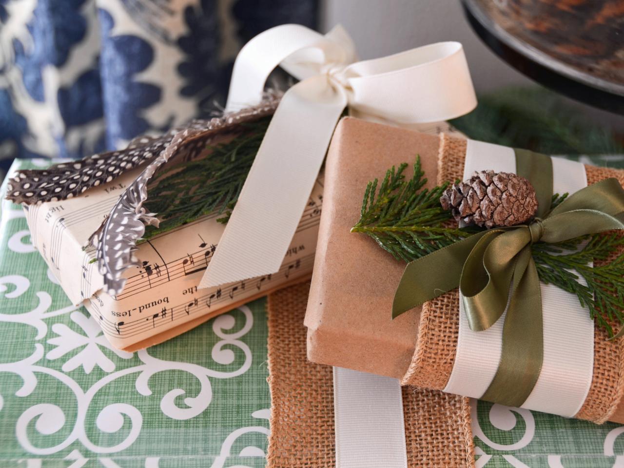 Красивое новогоднее оформление подарков