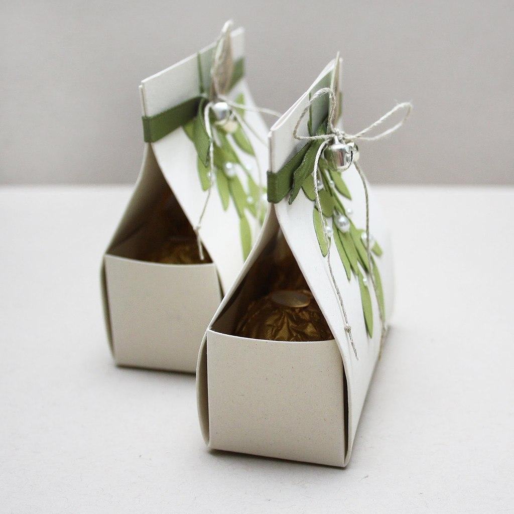 Маленькие картонные сумочки для подарков
