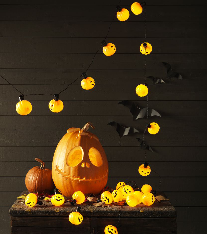 Декор и тыква на Хэллоуин
