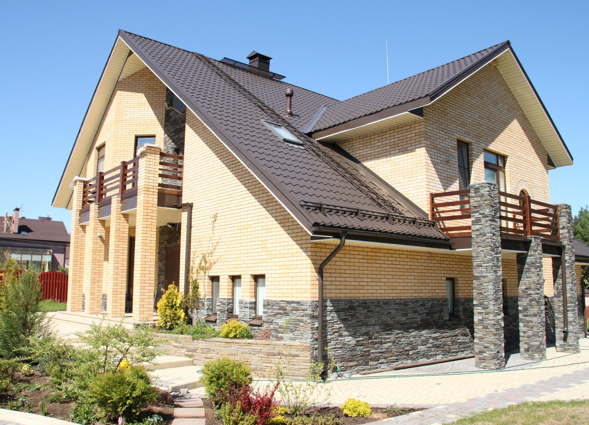 Фасадная клинкерная плитка в отделке дома