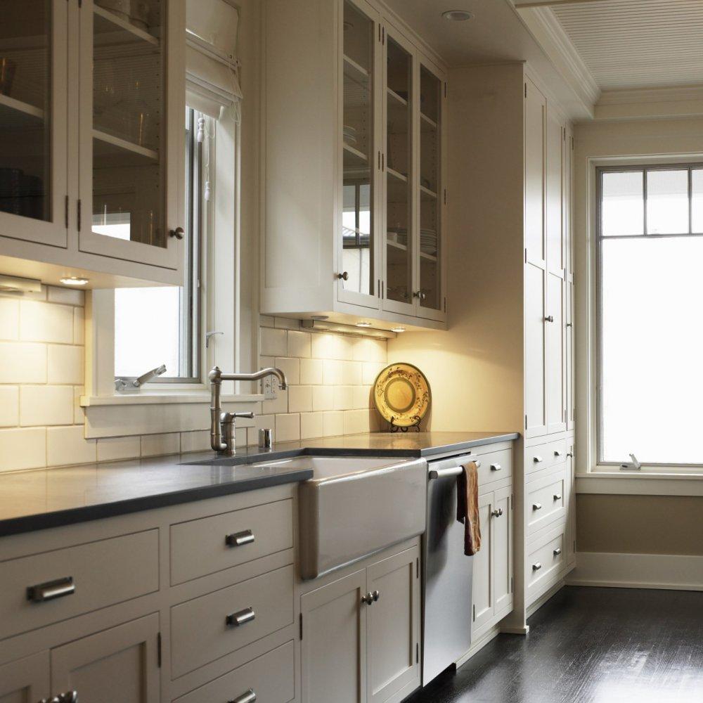 Дизайн кухни 20 кв м с корпусной мебелью