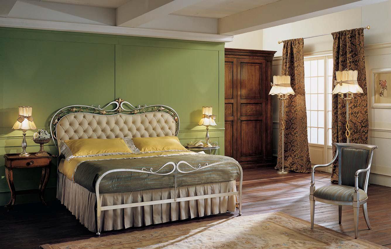 Стильная кованая кровать модерн