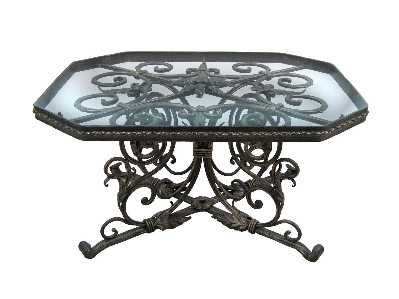 Большой кованый стол со стеклянной столешницей
